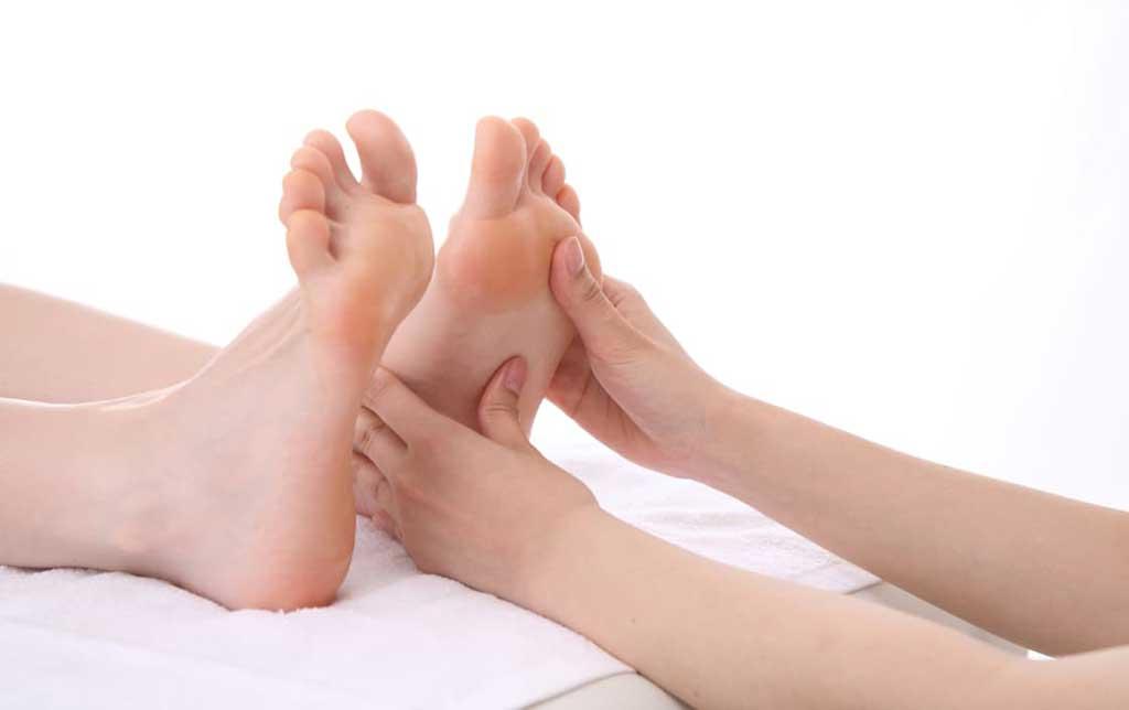 Chăm sóc bàn chân ở bệnh nhân đái tháo đường - Phòng Khám Đa Khoa Quốc Tế Sài Gòn