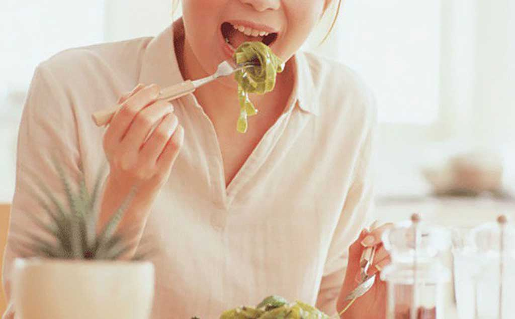 Chế độ ăn uống, sinh hoạt không lành mạnh - Bệnh viện Tai Mui Họng Sài Gòn